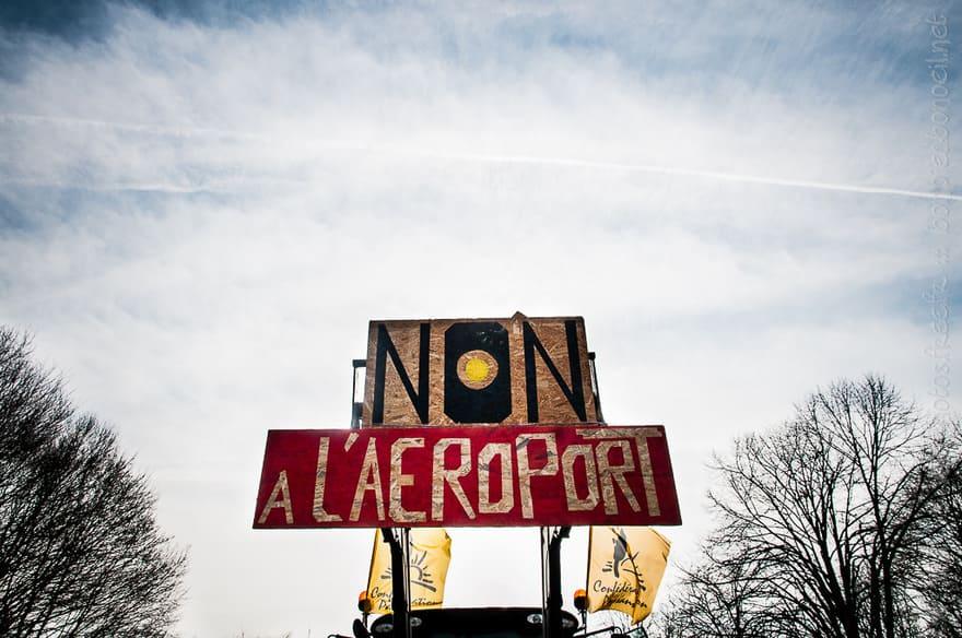 NON à l'aéroport - ValK.